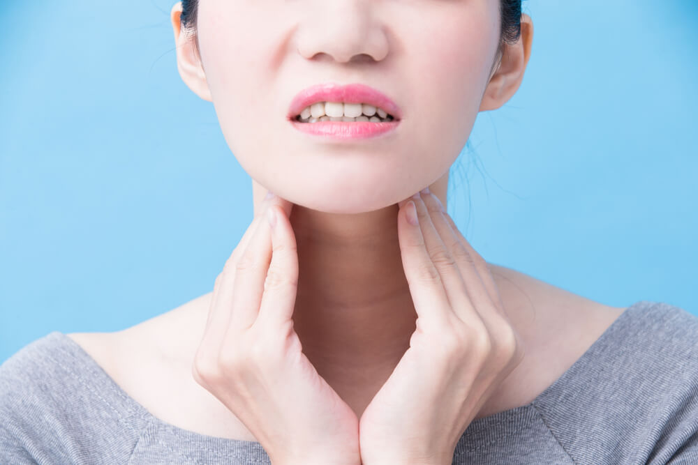 Neck Pain After Tooth Extraction: Warning Signs and Symptoms
