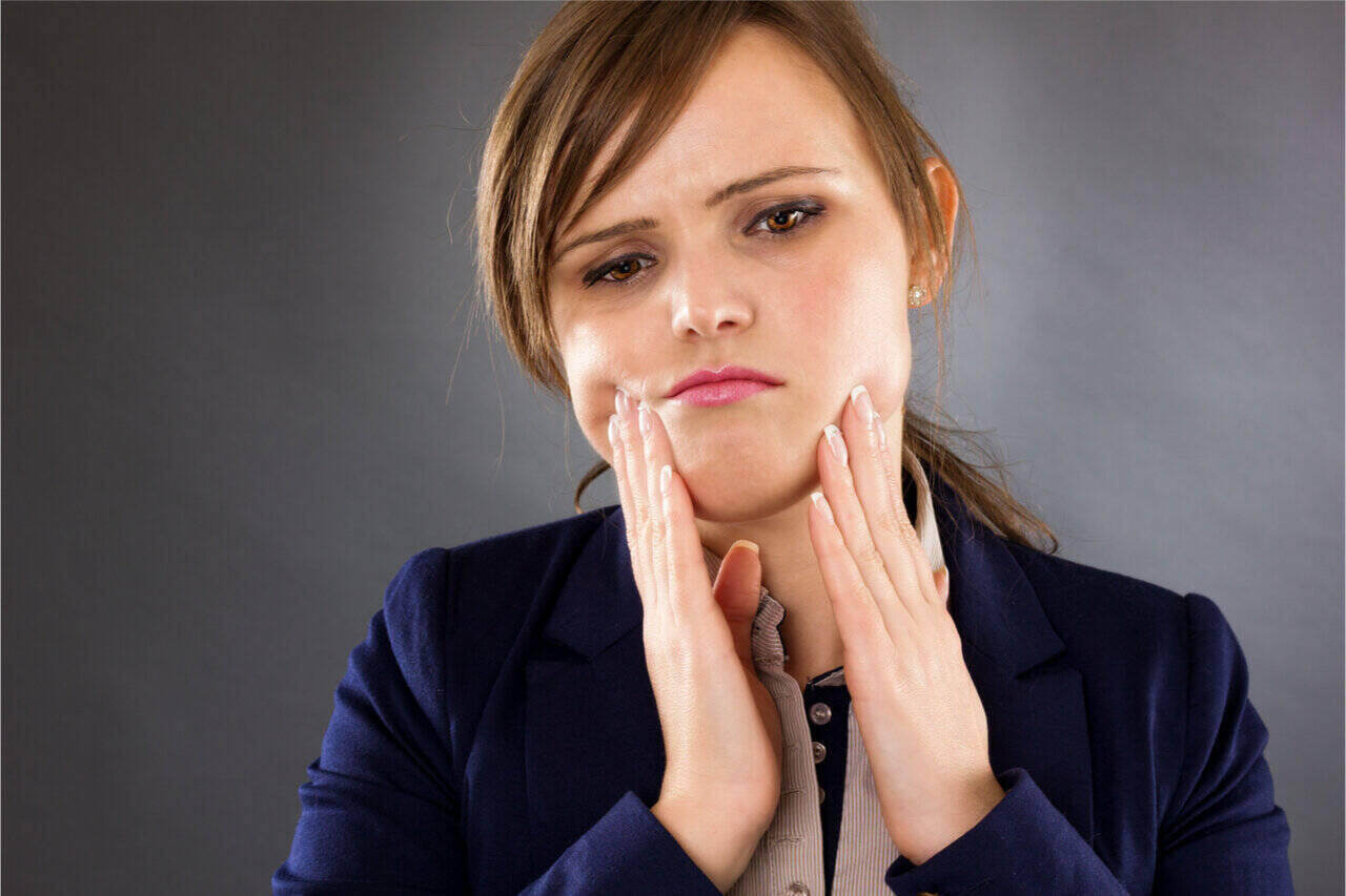Dental Implant Pressure Pain: How To Manage Implant Failure?